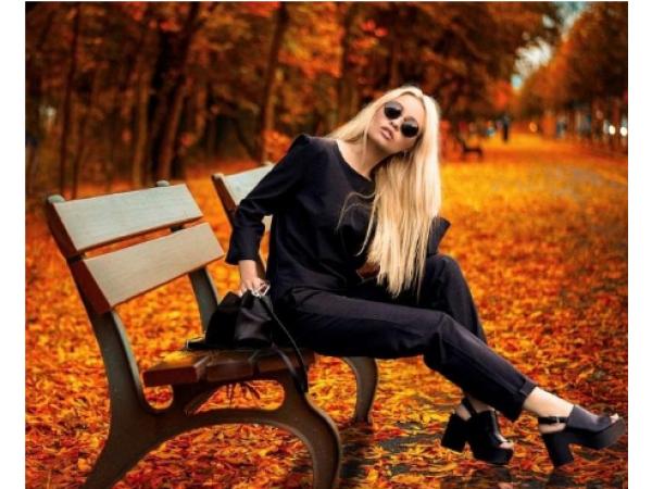 Как да освежим едно черно облекло при жените?